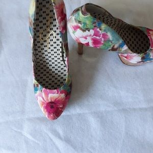 "Jessica Simpson Floral 6"" Stiletto Pumps size 8"